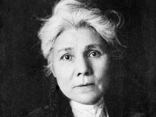 """A Right to Help Make the Laws"": Helen Piotopowaka Clarke, Virginia Billedeaux, and Blackfeet Empowerment"